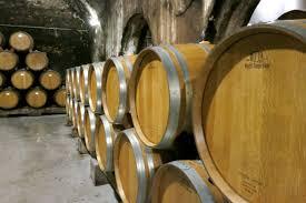 Les presses production de vin de plus de 100 l ont généralement